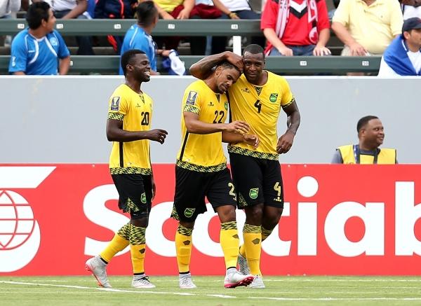 прогноз матча по футболу Ямайка - Сальвадор